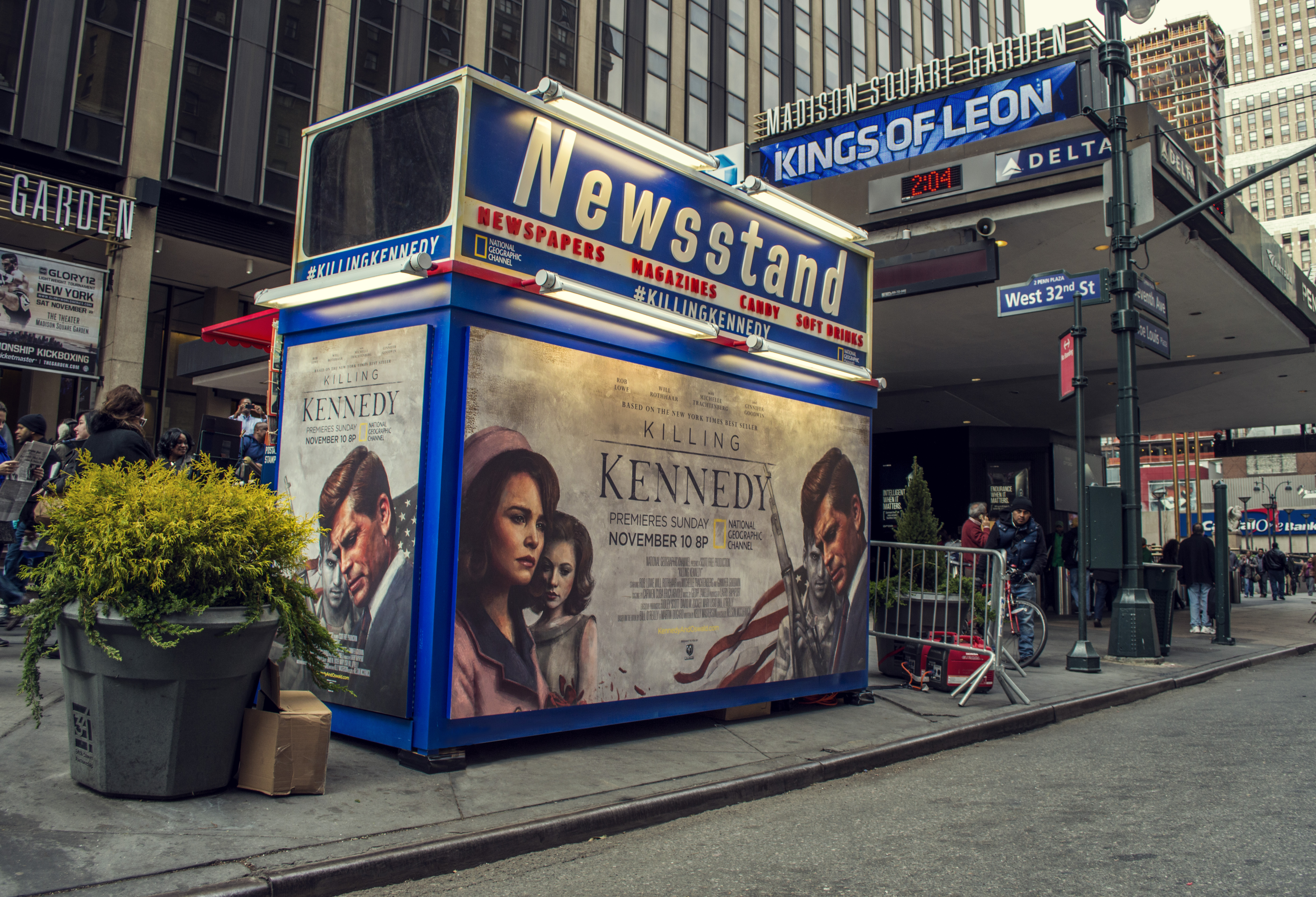 sam_spratt_KK_newsstand_penn